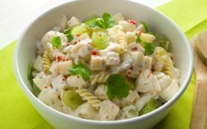 Fruity Cheese Pasta Salad. In Finnish | Hedelmäinen juusto-pastasalaatti