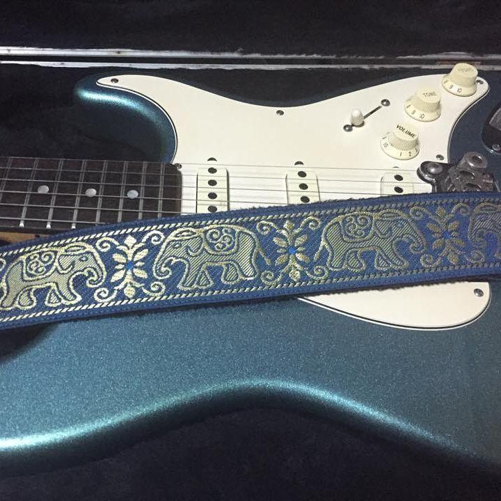 Pailin Straps G&L Legacy P5100L6 P5101L6 Lake Placid Blue Elephant #pailinstraps #guitar #electricguitar #g&l #legacy #thai #elephant #guitarstraps