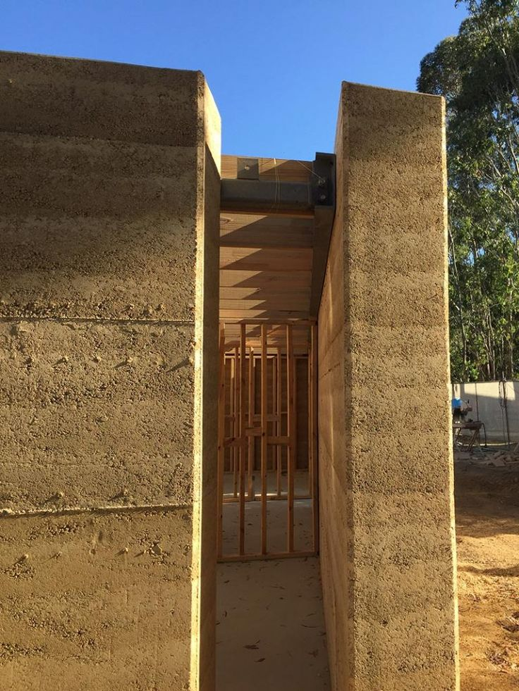Rammed earth houses: Olnee Constructions' under construction image gallery | Olnee Rammed Earth