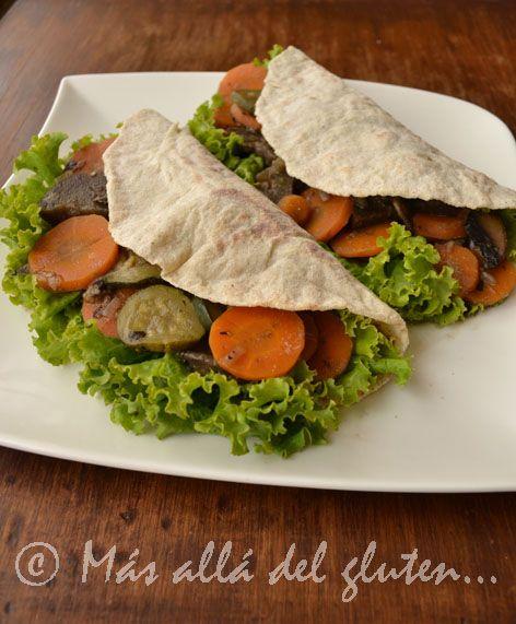 Más allá del gluten...: Tortillas de Papa con Relleno de Verduras y Hongos (Receta GFCFSF, Vegana)