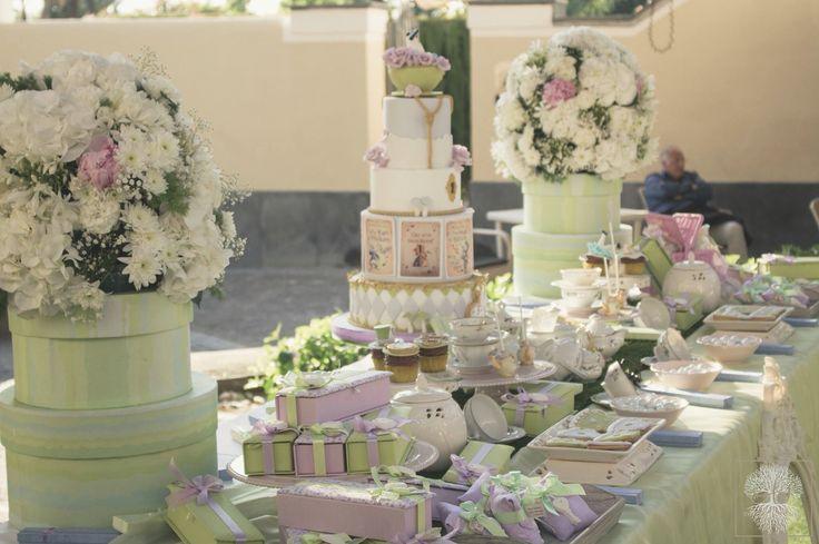 Sweet table, Alice in wonderland! #annapaolanapoli #apnapolieventi #eventplanner  #sweettable