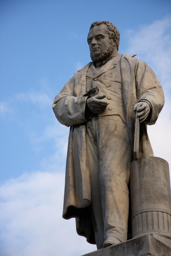 Statua di Cavour - Piazza Cavour - Ancona