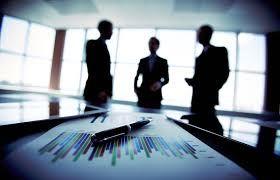 Entidad en la que intervienen el capital y el trabajo como factores de producción de actividades industriales o mercantiles o para la prestación de servicios.
