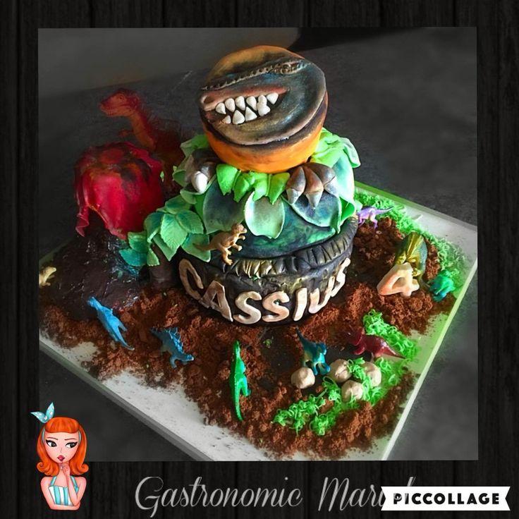 T Rex and dinosaur cake