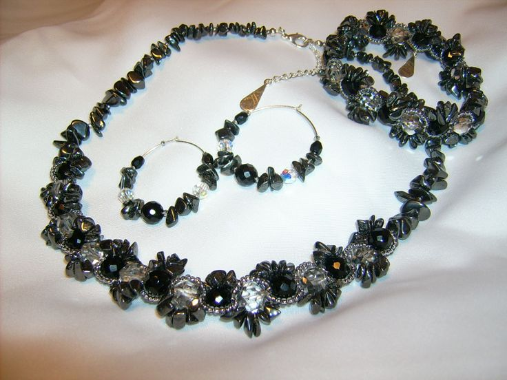 Set of hematite necklace, bracelet, earrings with Swarovski and black onyx.