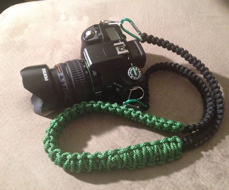 As an amateur photographer, I wasn't very happy with the neck strap my camera came with. All I could find on other social media sites were wrist straps, so I decided to make one with materials I had from my paracord bracelet projects. This is what I came up with.