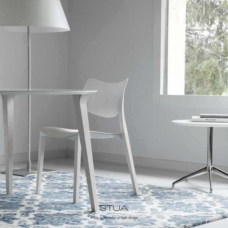 STUA Laclasica chair in white, the color of light design.