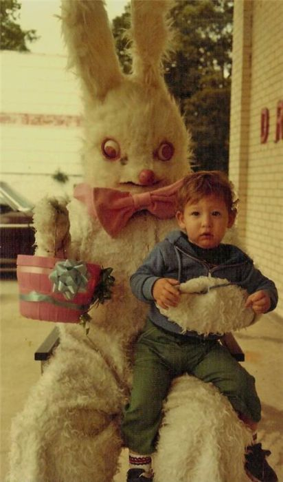 the derpiest Easter Bunny that ever derped