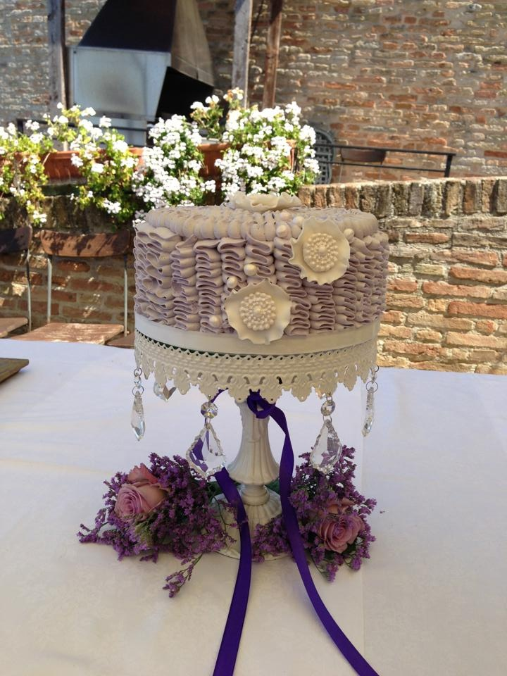 Violet Buttercream ruffle wedding cake (torta matrimonio viola)-Cupcake Paradiso Rimini