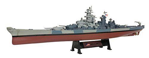 USS Iowa 1944 - 1:1000 Ship Model (Amercom ST-13)  USS Iowa 1944 - 1:1000 Ship Model