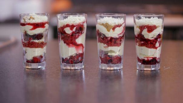 Eén - Dagelijkse kost - trifle van rood fruit, mascarpone en witte chocolade