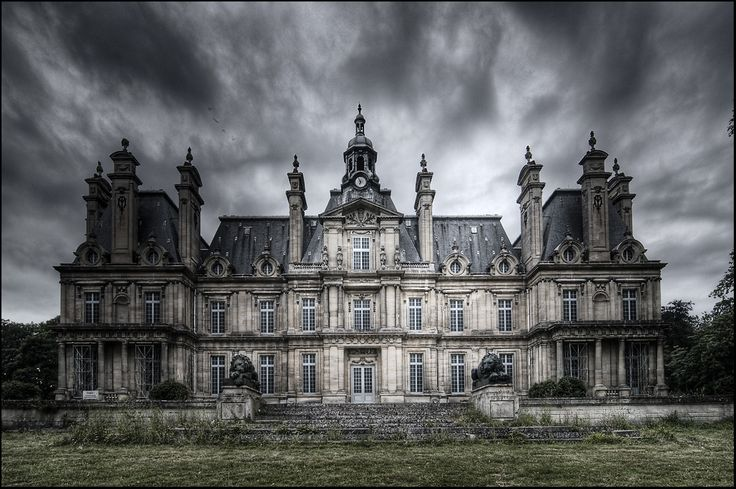 The Castle of Franconville... Not far from Saint-Martin-du Tertre. France