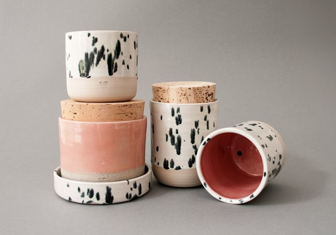 Mit Dalmatiner-Tupfen, Konfetti-Sprenkel und viel Sinn für Schönes: Entdeckt die Keramik-Produkte von Ini Neumann aus Hamburg.
