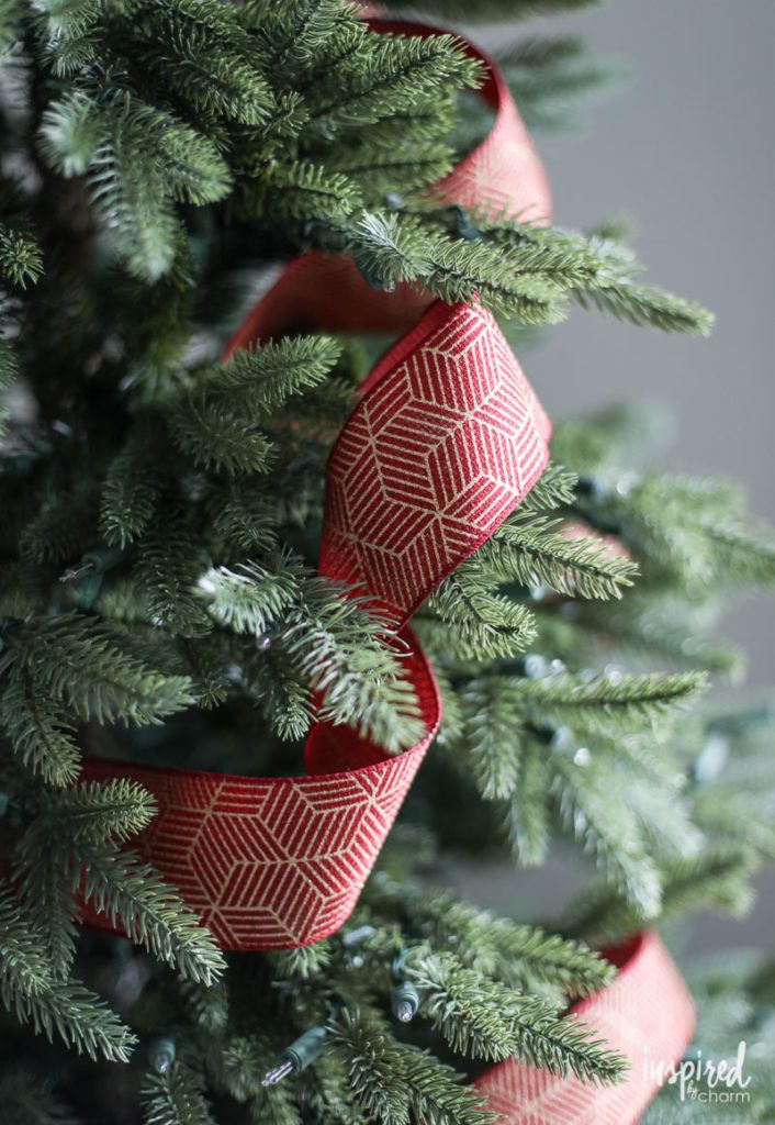 Fun Christmas Tree Decorating With Colorful Ribbons Mesh Christmas Tree Ribbon On Christmas Tree Cool Christmas Trees