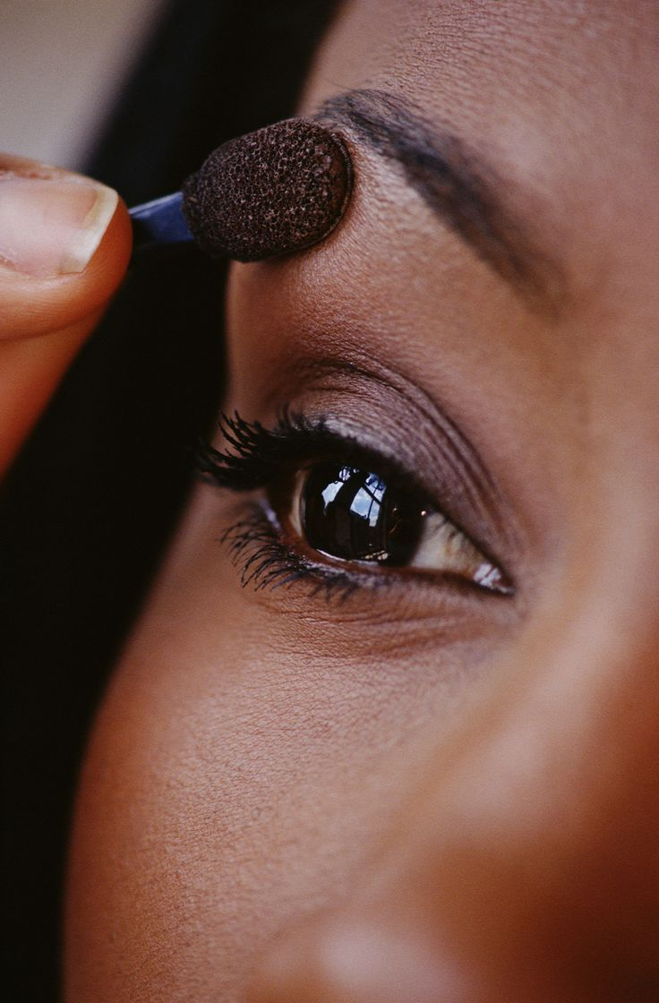 how to find colors that compliment your skin tone