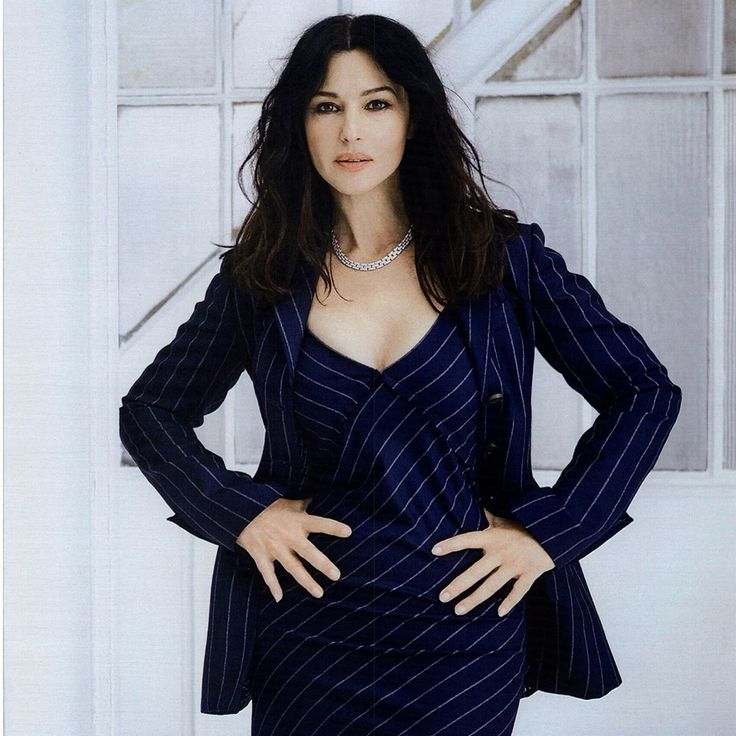 Ever charming Monica Bellucci in a TRUSSARDI total look from the Fall Winter 2016/17 collection as seen in Grazia Italia @graziait #TrussardiEditorials #Trussardi
