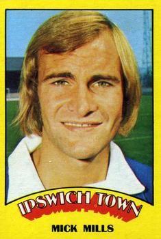 1974-75 A&BC Gum #10 Mick Mills Front