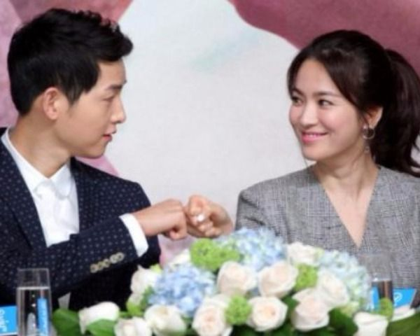 Song Joong Ki & Song Hye Kyo Are Married! Here's What We Know! - http://www.morningledger.com/song-joong-ki-song-hye-kyo-married-heres-know/1385040/