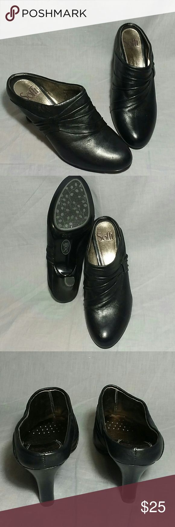 "Women's Sofft Clogs shoes black 6.5 M heels 3"" Women's leather heels Shoes item is in a good condition. Sofft Shoes Mules & Clogs"