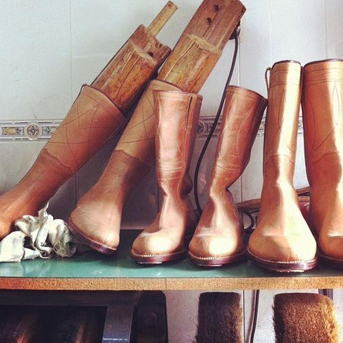 Traditional leather boots from Alentejo, handmade by Mestre Rosa in Santa Clara de Louredo. (Photo: Rosa Pomar) #alentejo #visitalentejo #portugal #visitportugal #travel #boots #fashion #handmade #handicraft #tradiicional #leather