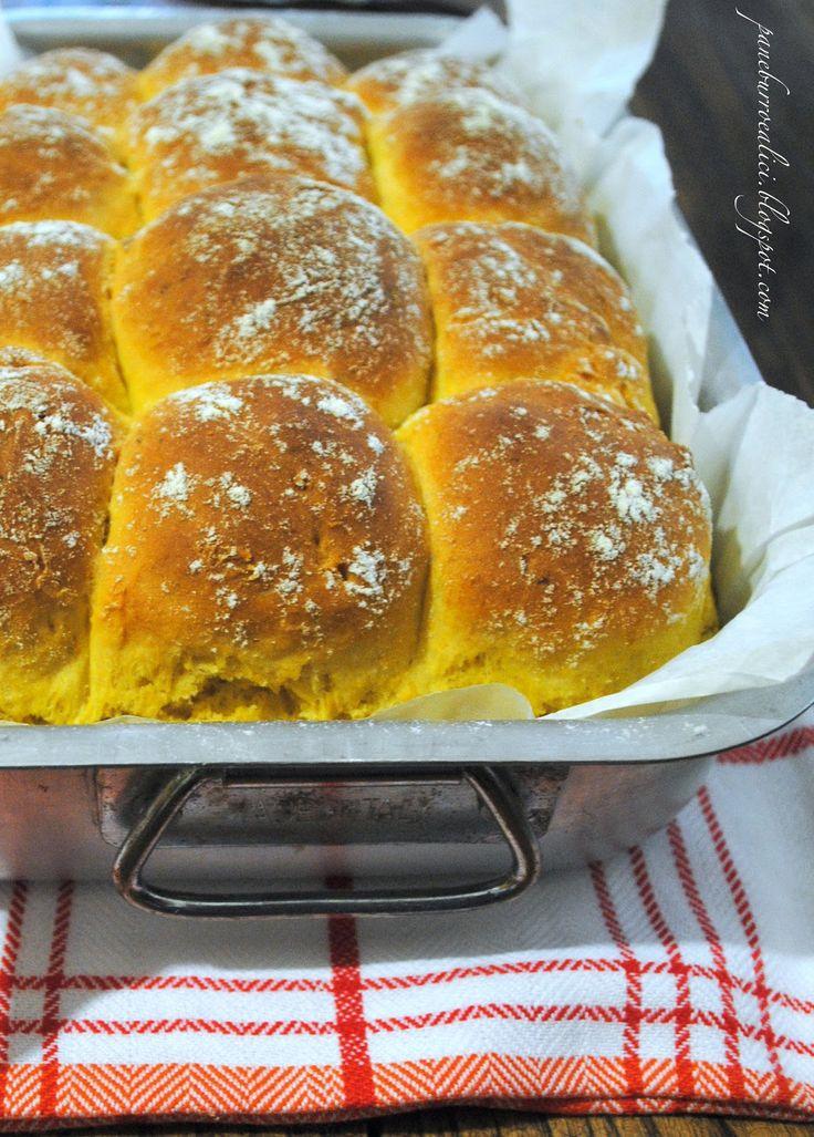 """Mi piace tantissimo il colore di questo pane! Il gusto della zucca c'è tutto e la consistenza è """"briochosa""""...tanto che l'ho chiama..."""