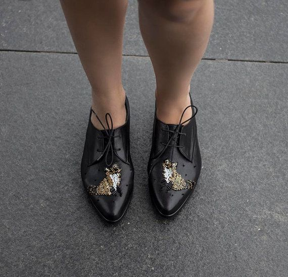 Free shipping Flat leather shoes, Black leather shoes, Oxford shoes, Womens Lace Ups, Gold bead embroidery of a fox, embroidered shoes