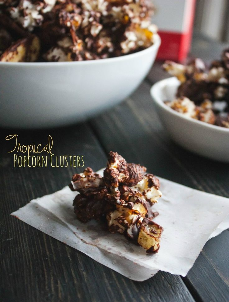 Tropical low calorie popcorn clusters made with Skinnygirl popcorn in Lime & Salt flavor, perfect  #Skinnygirlsnacks #collectivebias @OrvillePoporn #shop Recipe and instructions here: http://www.sweetphi.com/tropical-low-calorie-popcorn-clusters/