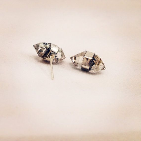 Gemstone Starburst Ring in Metallic Gold. - size 6 (also in 7) Elizabeth Stone kudwe75k