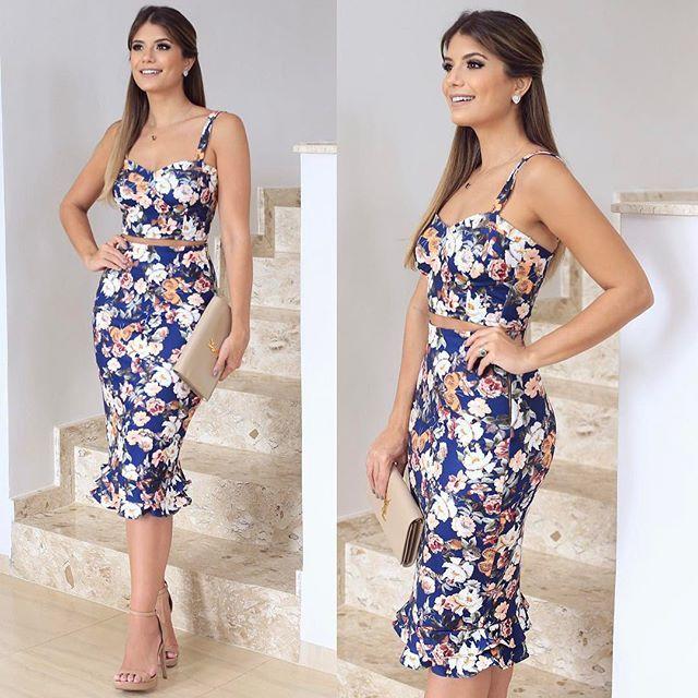 {Midi } Conjunto @letslo  Essa estampa floral com fundo azul não está demais? Apaixonada!  www.letslo.com.br A loja tem mil looks lindos e envia para todo Brasil meninas!
