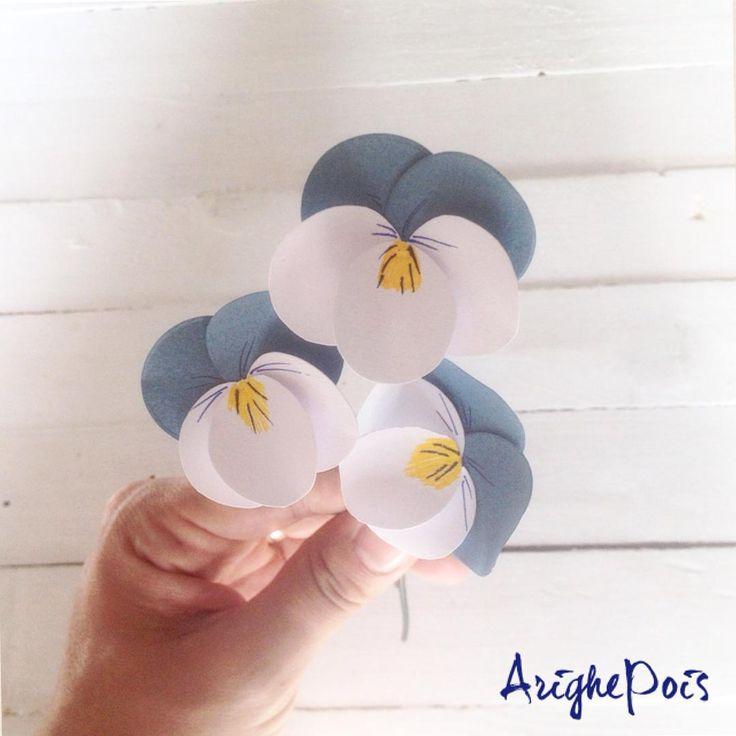 "43 Likes, 1 Comments - 🌸Alice🖋 Idee Handmade (@arighepois) on Instagram: ""Cinque cerchi... Per una viola del pensiero... #paper #paperflowers #paperflowers #handmade…"""