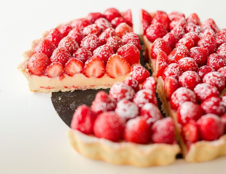 French Strawberry Tart With Pastry Cream and Glaze Recipe
