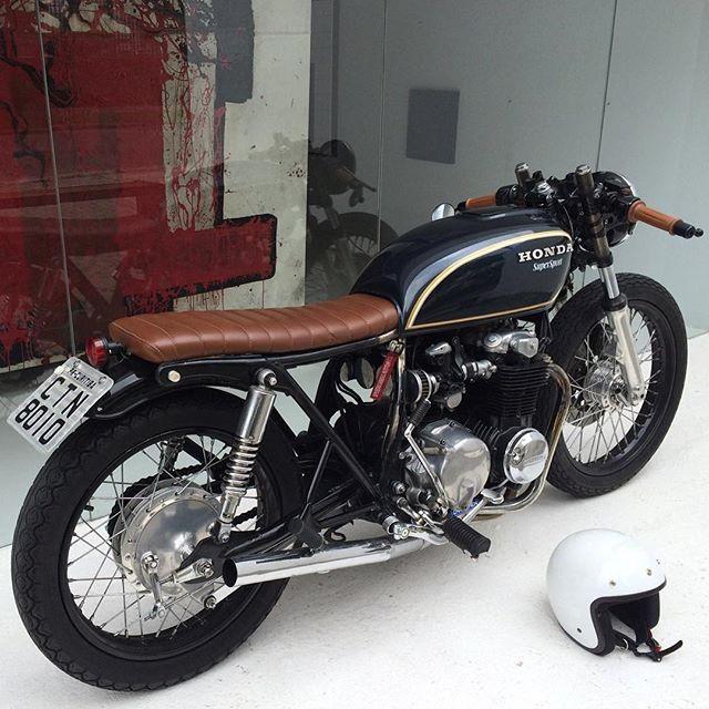 BRAT by @caferacergram #Honda CB550F sohc brat cafe sent in by @felipevitorlp