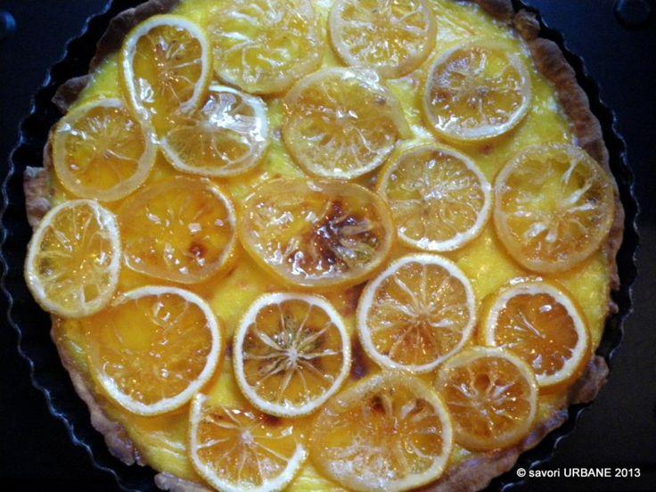Tarta cu lamaie caramelizata - nu orice tarta! Felii de lamaie parfumata caramelizate si asternute in strat subtire peste o crema vanilata si acrisoara ...