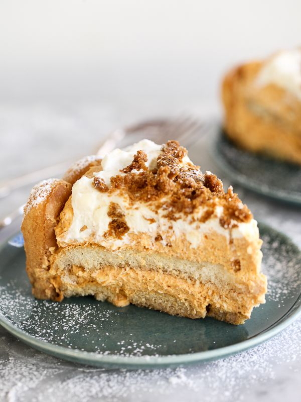 Pumpkin Tiramisu. It's a pie. It's a cake. It's delish   foodiecrush.com