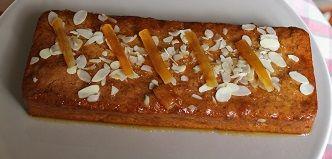 Un pain d'épices pour les gourmands à l'orange et aux amandes
