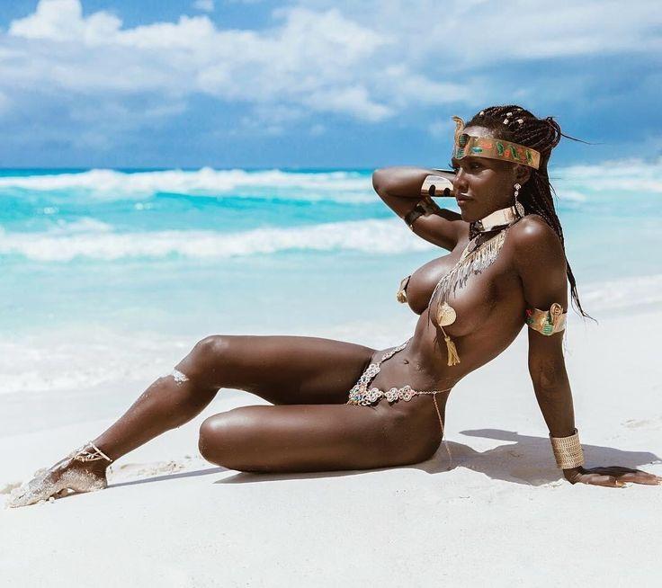 Reality porn exotic black sexy woman closeup