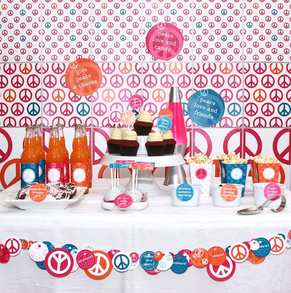 Peace 70's  theme Party table