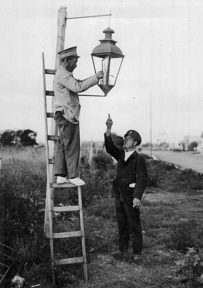 Buenos Aires. Último farol antes del uso de la electricidad, 1931.