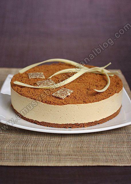"""Pour un repas typiquement ch'ti, on m'avait demandé un dessert mais ici dans le nord, on a pas vraiment de """"grande"""" pâtisserie. La tarte au sucre, c'est délicieux mais pour un anniversaire c'est pas le top. On trouve souvent à la carte des resto, le ch'tiramisu..."""