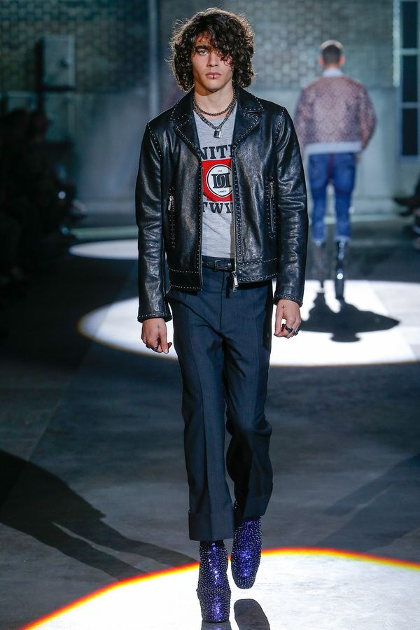 Le look mi-skinhead mi-glam rock de Dsquared2
