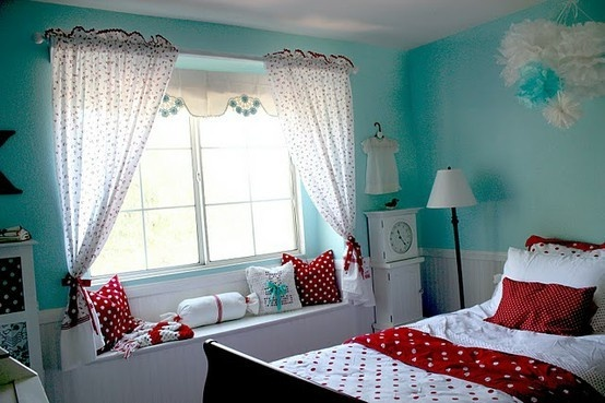 Red and turquoise: Colors Combos, Polka Dots, Girls Bedrooms Red Aqua, Colors Schemes, Rooms Colors, Aqua Colors, Teen Girls, Girls Rooms, Kids Rooms