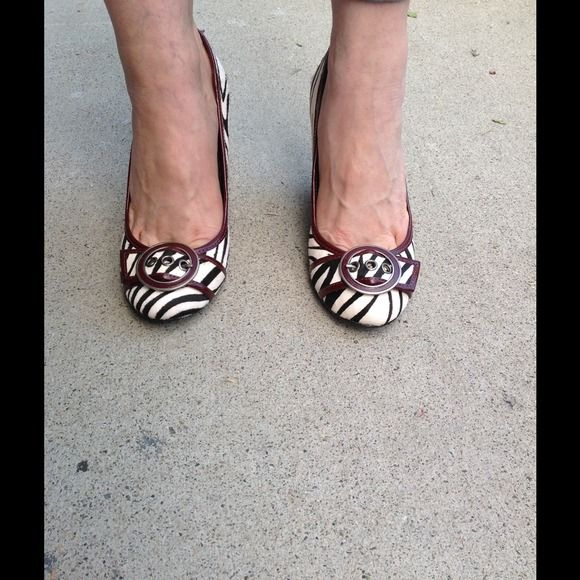 Steve Madden Zebra Print Wedges Brand new, never worn Rare Steve Madden Zebra Print Wedges Size: 8 Calf-hair, black and white zebra print with burgundy accents, great wedge with skinny jeans, dresses, shorts, etc. On trend and in fashion for upcoming season. Steve Madden Shoes