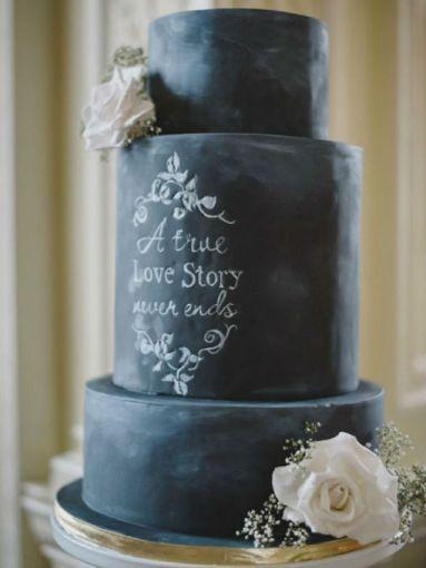 Pasteles de boda negros para la novia rockera