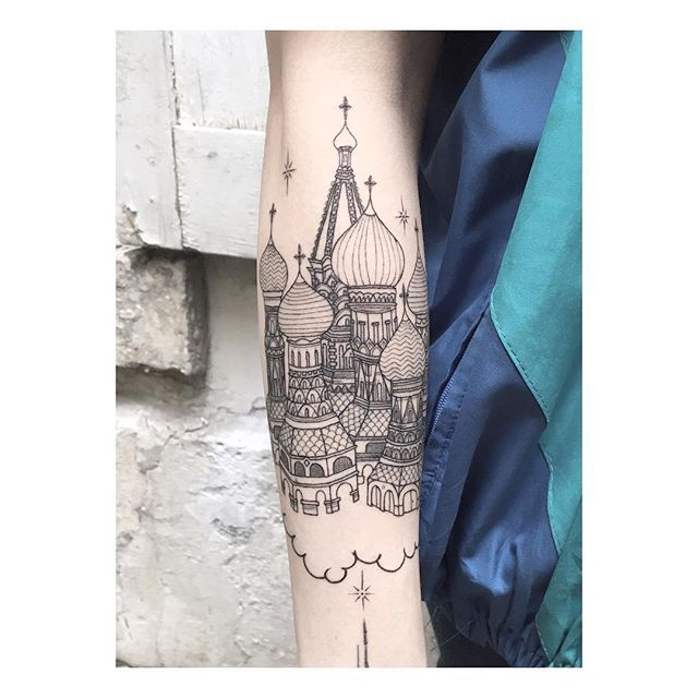 Russian Tattoo for my @_favry #lencrerie #tattoo #tattooedgirls #tattooedgirl #tattoogirls #tattooist #finelinetattoo #finelinestattoos #finelines #blackworkerssubmission #tatouage #tattooed #tattoolife #tattooshop #tattoolifestyle #artwork #parisart #parislife #paristattoo #flashtattoo #tattoorussia #tattoofrance #flashtattoo #russiantattoo #kremlin #moscow #moscowtattoo #tattoomoscow #churchtattoo #tattoochurch cc @leogavaggio @dizzycali @bellesetbuth @dlc4123 @jeynoname