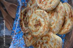 ces pains feuilletés roulés farcis au poulet,une délicieuse recette de petits pains très facile à réaliser qui demande peu de temps de pousse