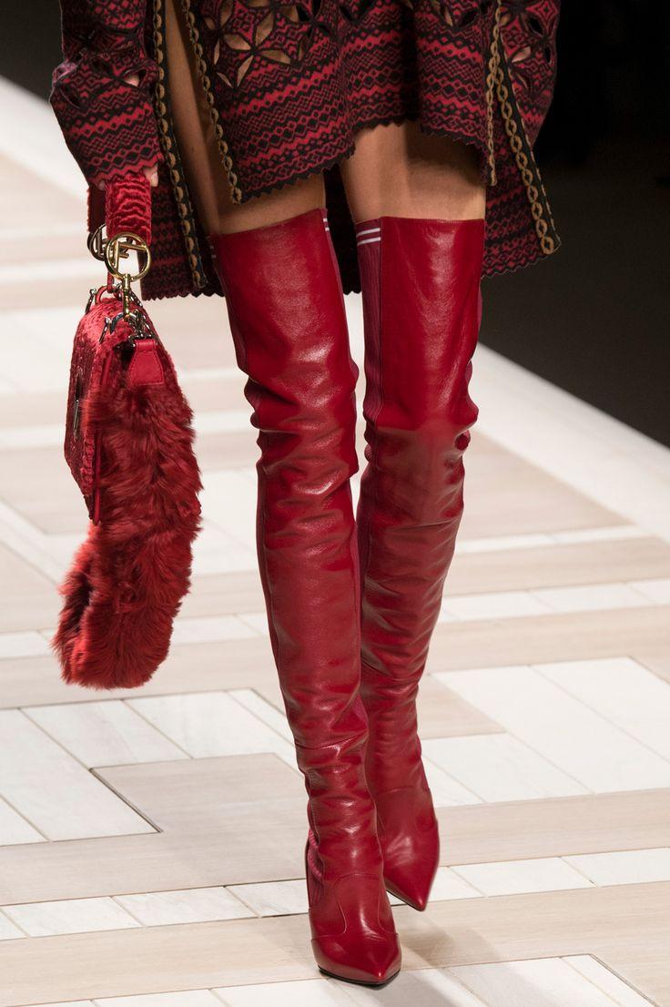 Scarpe: tutte le tendenze moda dalle sfilate autunno inverno 2017-2018 red thigh boots fashion