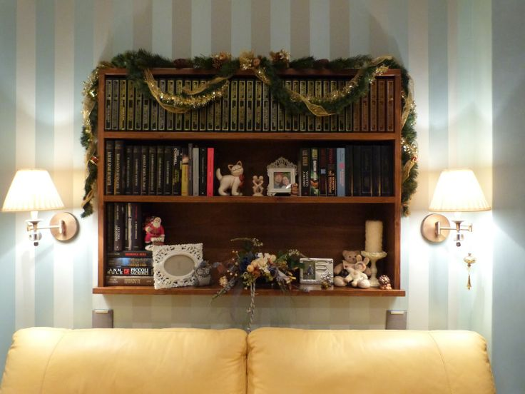 Oltre 25 fantastiche idee su dietro al divano su pinterest sistemazione per piccoli - Libreria dietro divano ...