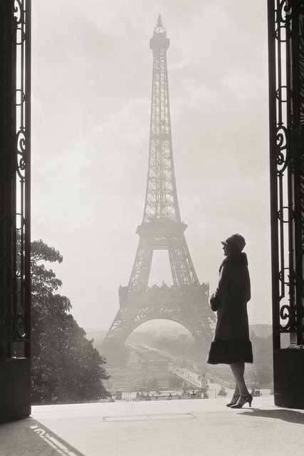Paris, 1928 , is she madame Coco Chanel?