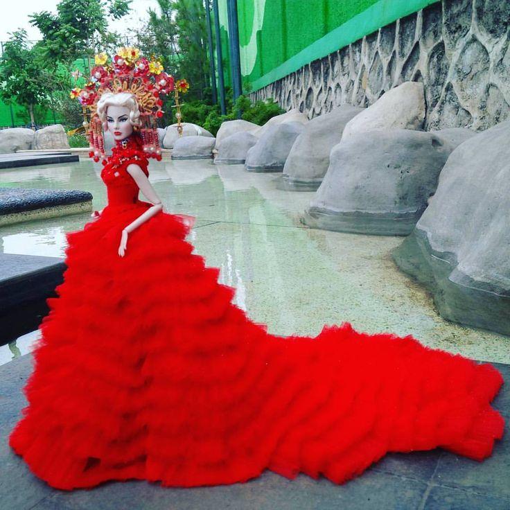 Fashion itu Kebebasan & Jati Diri (Kemegahan Pesona Bengkulu) 20 April 2014 - 20 April 2016. Alhamdulillah 2 tahun bergabung dlm Komunitas Doll Lovers #megah #mewah #Pesona #bengkulu #red #luxury #limitededition #photo #photographer #dollsphotography #agnesvonweiss #integritytoys #indonesia #kartini #biyanraumbu via ✨ @padgram ✨(http://dl.padgram.com)