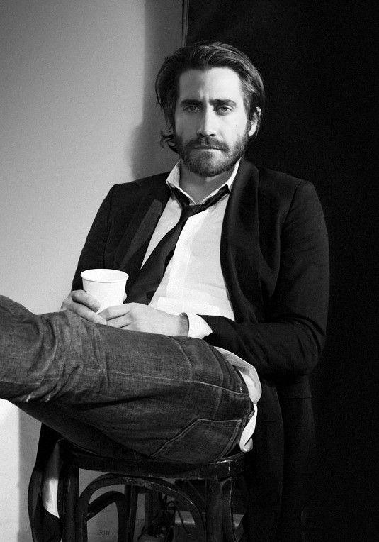 Coffee : Jake Gyllenhaal http://legjobbkave.hu/igy-kaveznak-a-sztarok/